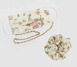 Υφασμάτινη Μάσκα Διπλής Ύφανσης Έλασμα Στη Μύτη Με Λουλούδια Και Αλυσιδάκι Χρυσό ΣΕΤ Με Λαστιχάκι Μαλλιών 1 Τεμάχιο